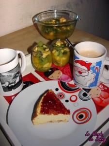 Gâteau de semoule, salade de fruits